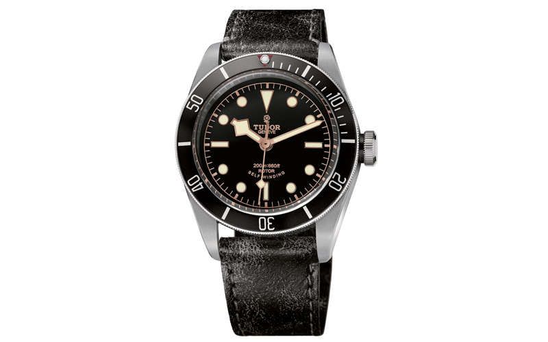Montre Héritage Black Bay Black en acier et bracelet en cuir usé, Tudor, AZUELOS.