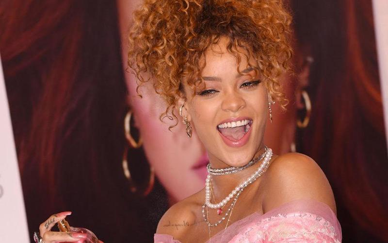 Rihanna-make-up