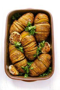 Pommes-de-terre-hasselback-citron-ail