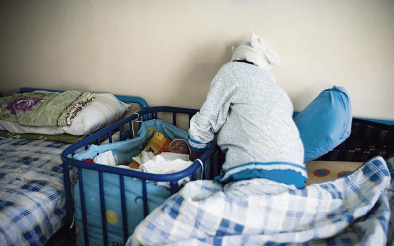 m re c libataire la cour d appel de tanger annule le jugement condamnant un p re biologique. Black Bedroom Furniture Sets. Home Design Ideas